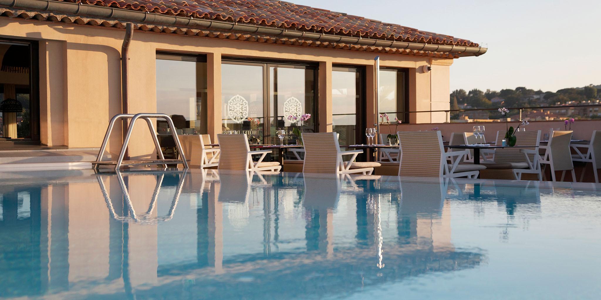piscine hotel de paris saint tropez